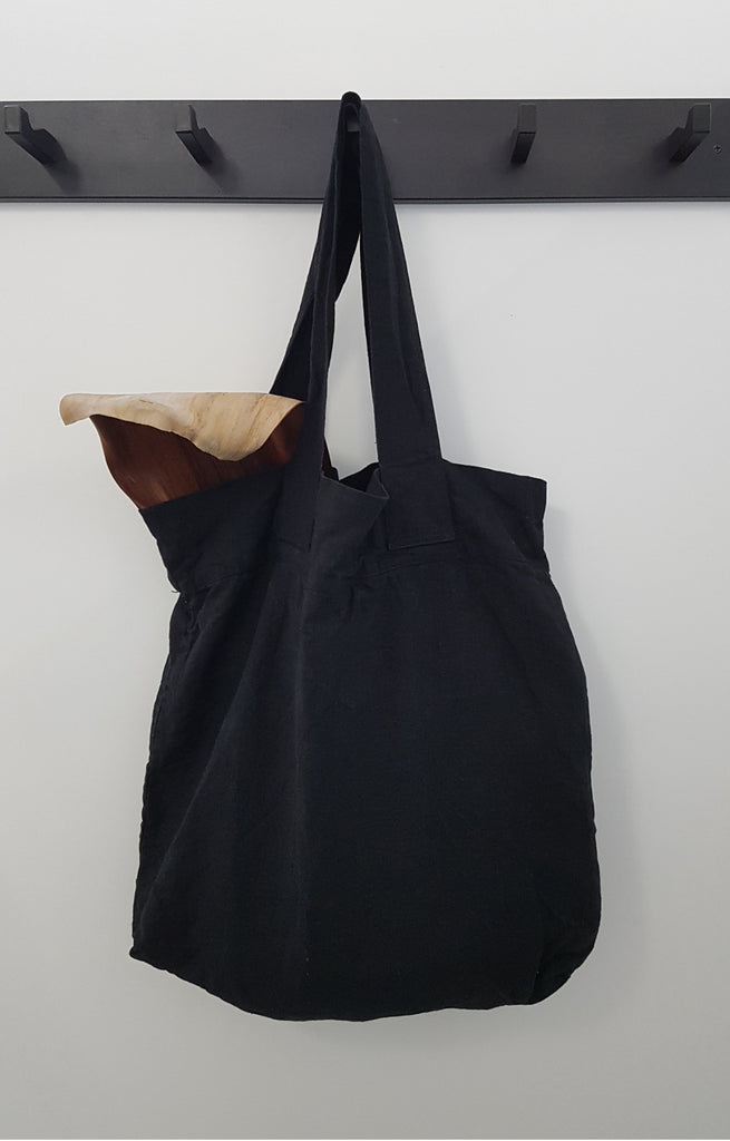 LINEN TOTE BAG IN BLACK