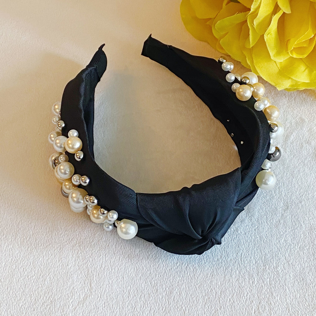 Cluster Pearls Knotted Headband