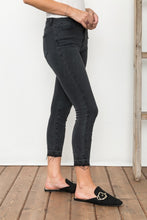 Load image into Gallery viewer, Black Premium Stretch Skinny Jeans