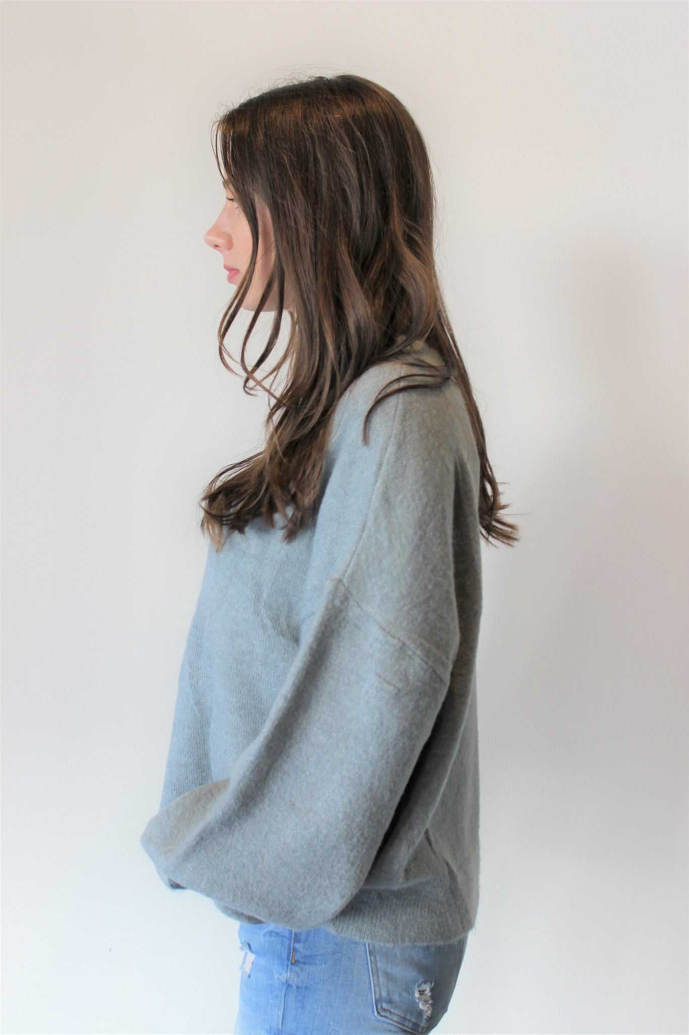 Round Neck Puffed Sleeve Sweater