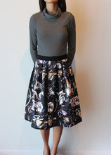Load image into Gallery viewer, Floral Mid Length Skirt