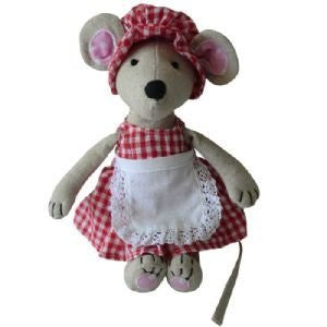 Powell Craft Medium Mouse with Hat, Dress & Apron - 21cm - hanrattycraftsgifts.co.uk