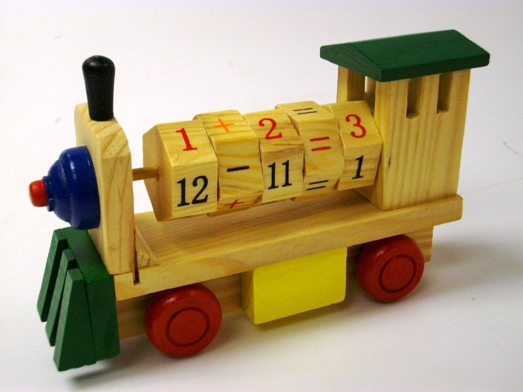 wooden numbers train - green