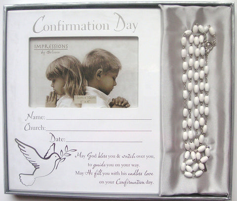 "CONFIRMATION DAY PHOTO FRAME WITH A SET OF ROSARY BEADS TAKES 15cmx10cm 6""x4"" PHOTO"