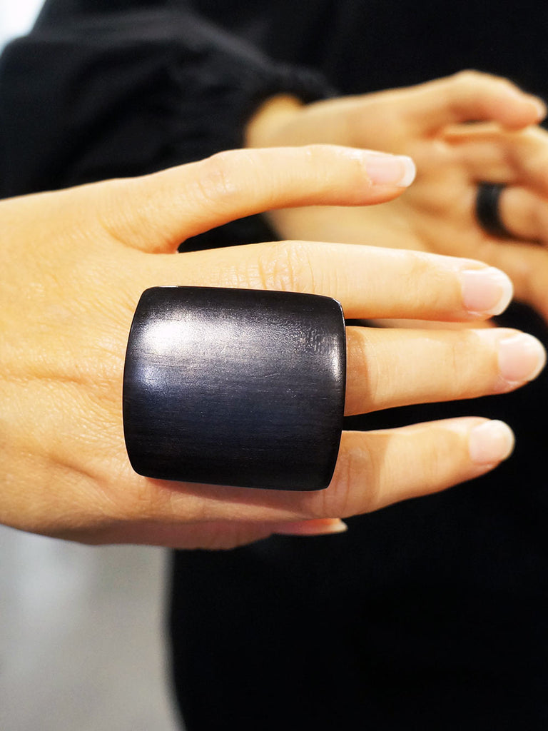 Monies Uma Ring Black