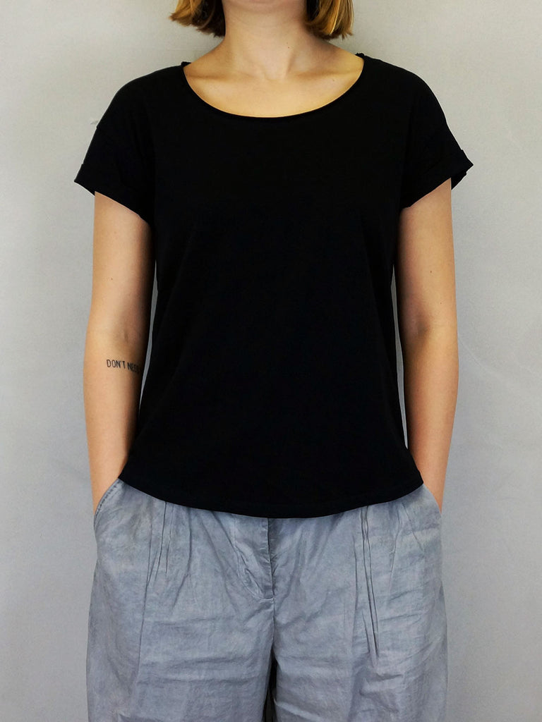 Studio Grundahl Loose Fit T-shirt Black