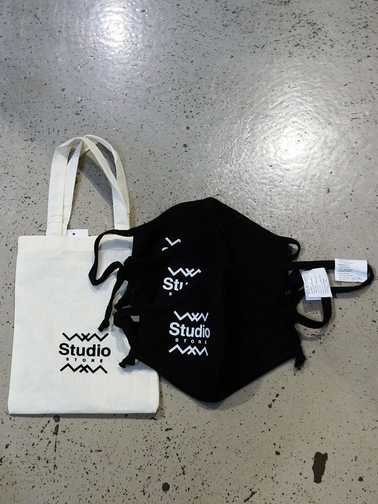 Studio Face Mask Black Logo With Little Bag