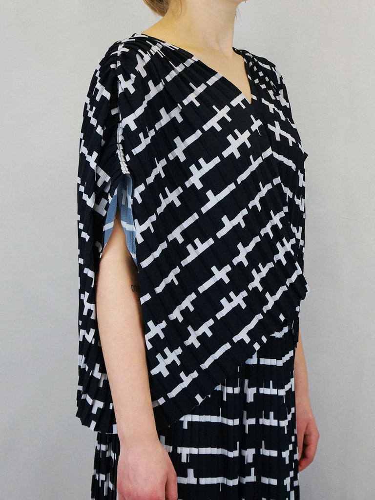 Henrik Vibskov Jelly Blouse Plissé Black And White Matches
