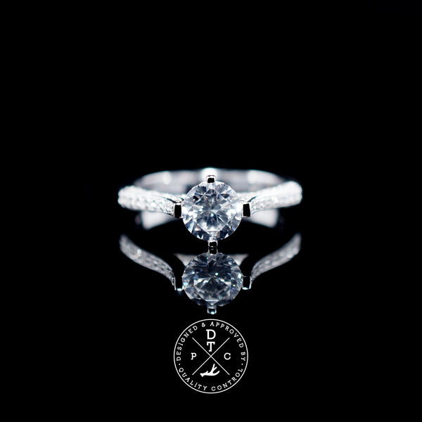 06 0.80ct (with side stones)