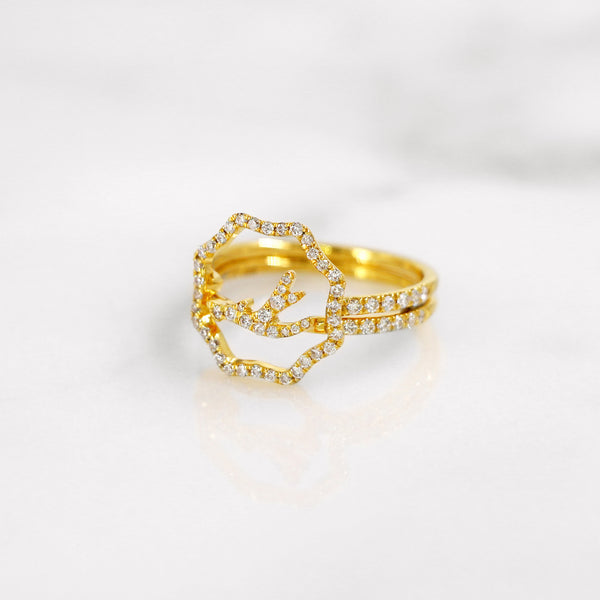 Delicate diamond antler ring in yellow gold, stackable and stylish.