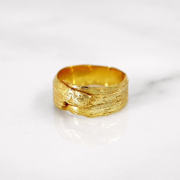 Da Tree Bark Ring Female - Yellow Gold