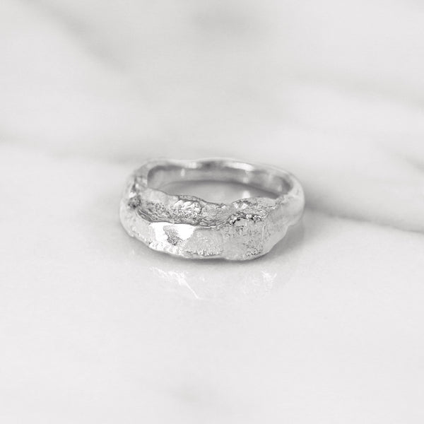 Da Mountain Ring - White Gold