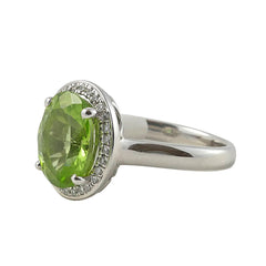 18ct White Gold Peridot & Diamond Ring