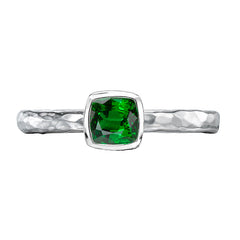 Sterling Silver 5mm Green Garnet Hammered Twinkle Ring