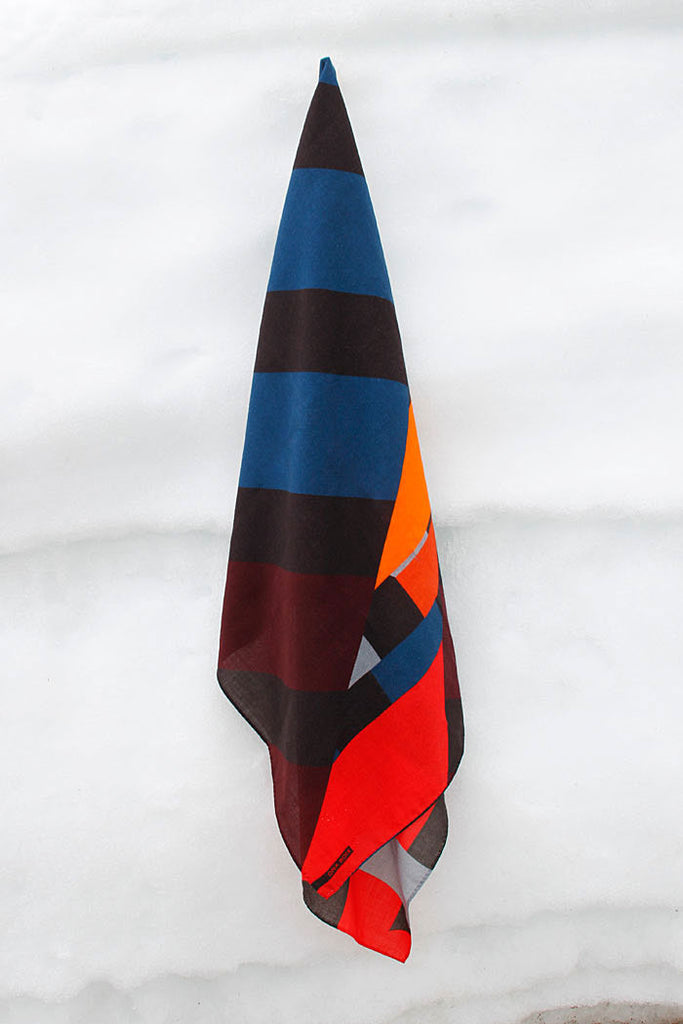 Ona Boix 100% wool shawl with a color block design