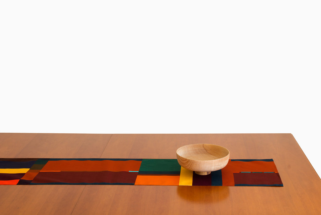 Home textile with warm colors and geometric design. Elegant simplicity to dress your table. Table Runner designed in Barcelona by Ona Boix.