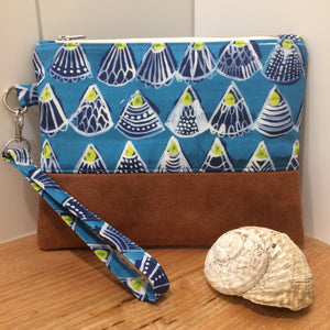 Seashells Clutch