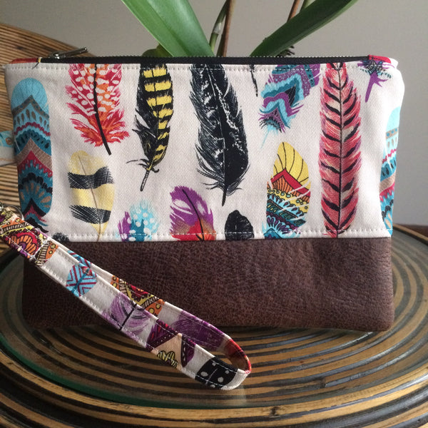 Feathers Clutch - Japri