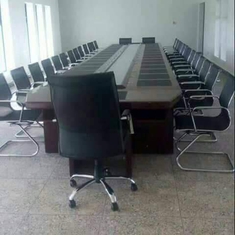 Padded conference Table - 30pers