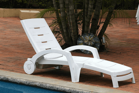 St Tropex Foldable Relaxing Outdoor Chair