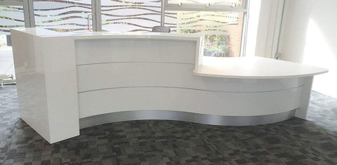 Valde curved reception desk