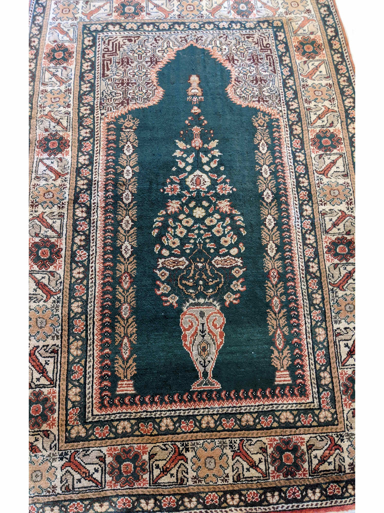 130 x 94 cm Turkish prayer rug silk (TP0143)