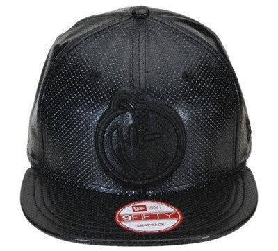 Yums x New Era 'Perforated Leather' Snapback - Black / Black