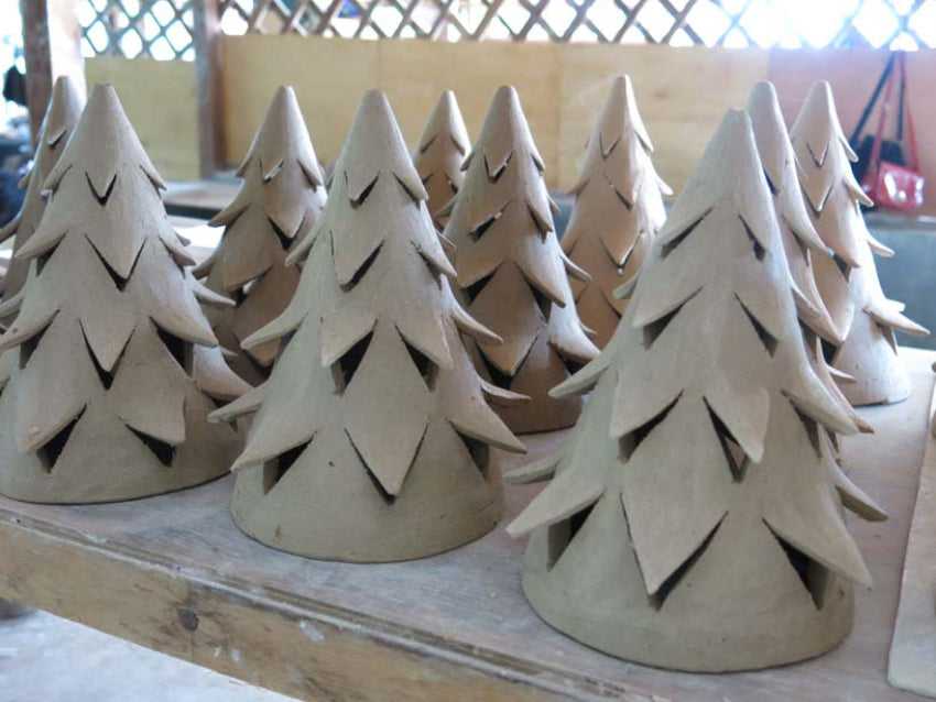 Nom Living Yuko Christmas Tree Unglazed