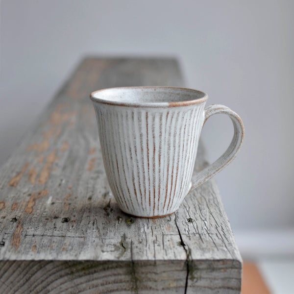 Nom Living Stoneware Fluted Forest Tea Mug For Tea or Coffee