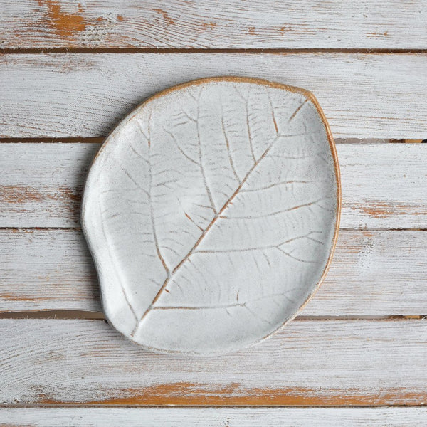 Nom Living Stoneware Leaf Plate, Snow White