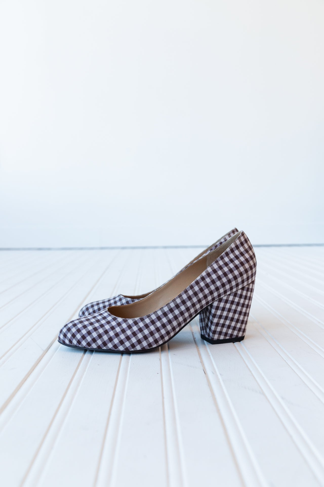 DELPHINE PUMP | BROWN GINGHAM
