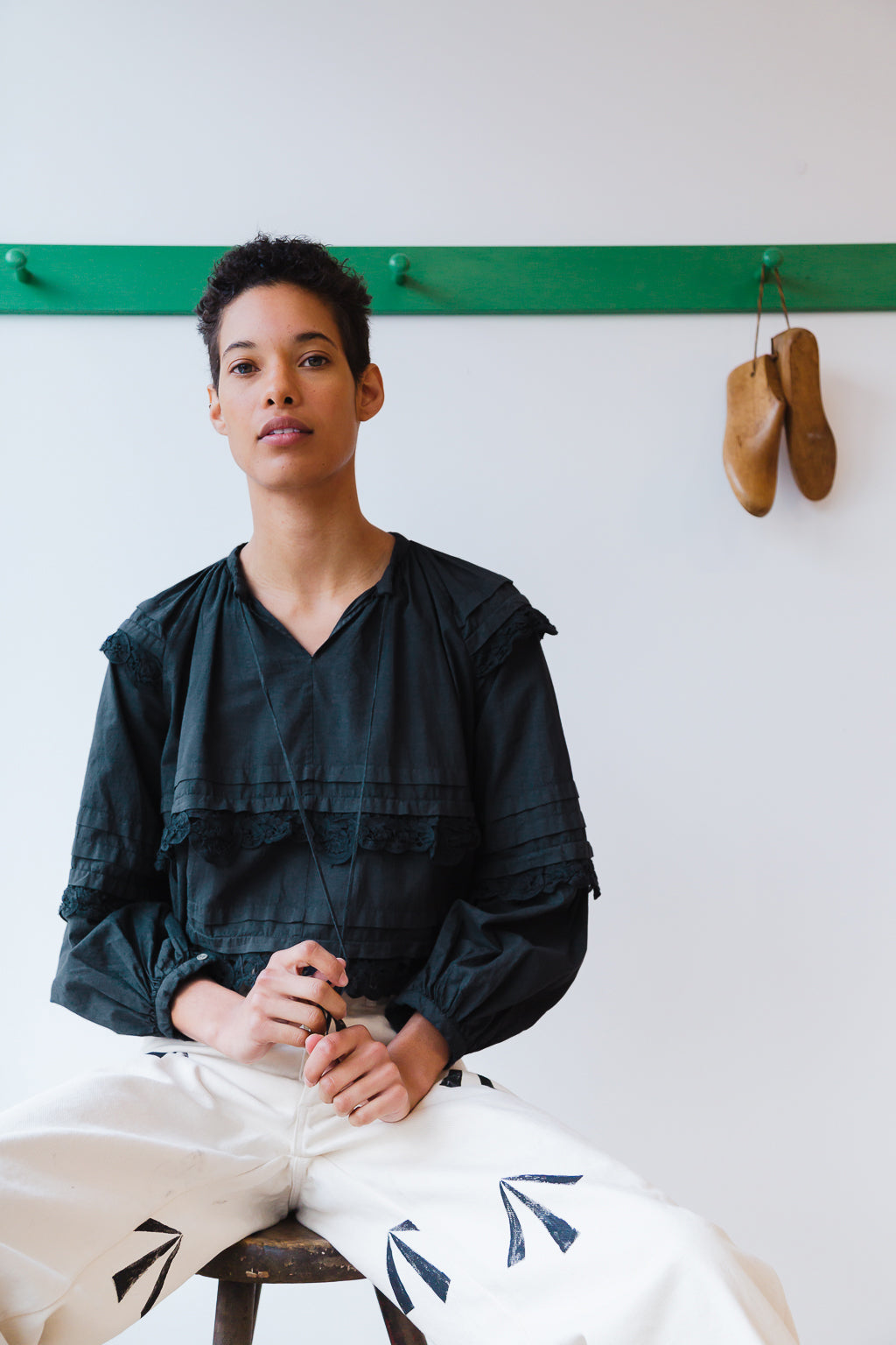 LUELLA TOP | CHARCOAL BATISTE