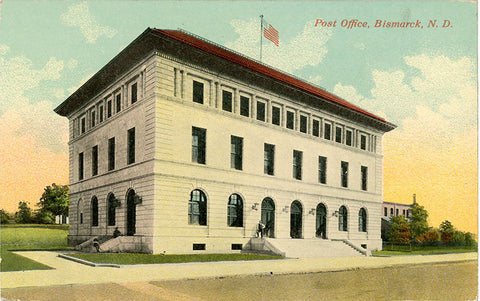 Bismarck North Dakota Post Office Vintage Postcard circa 1910 (unused) - Vintage Postcard Boutique