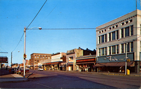 Escanaba Michigan Ludington Avenue Street Scene Vintage Postcard (unused) - Vintage Postcard Boutique