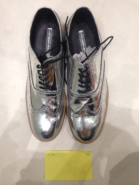 Size 10 Silver/mirror/chrome (sample sale) G