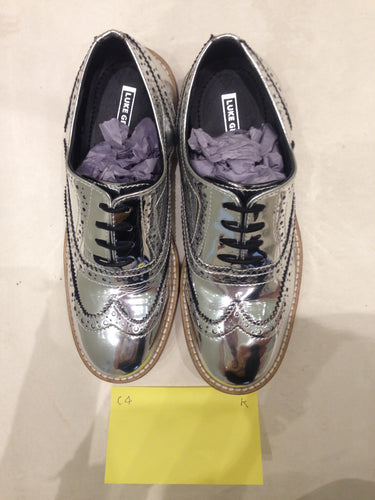 Ladies 6.5 Gents 5 US | 4 UK | 37  EU Silver/mirror/chrome (sample sale) K