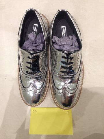 Size 4 Silver/mirror/chrome (sample sale) K