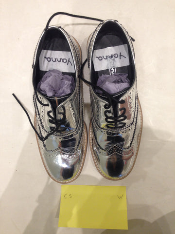 Size 5 Silver/mirror/chrome (sample sale) W