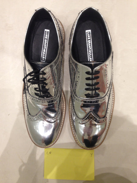 Size 8 UK Silver/mirror/chrome (sample sale) Y