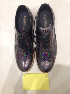 Ladies 8.5 Gents 7 US | 6 UK | 39 EU Holographic/Iridescent (sample sale) Z