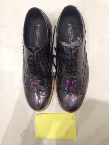 Size 6 Holographic/Iridescent (sample sale) Z