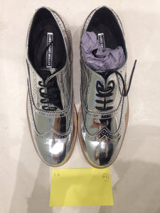 Ladies 10.5 Gents 9 US | 8 UK | 43 EU Silver/mirror/chrome (sample sale) A2