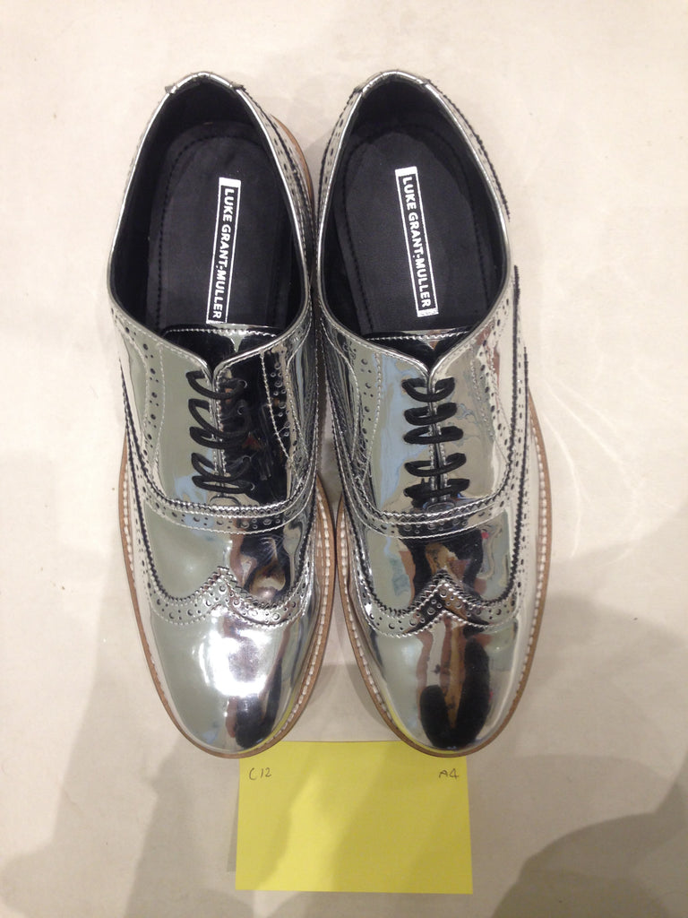 Size 12 UK Silver/mirror/chrome (sample sale) A4