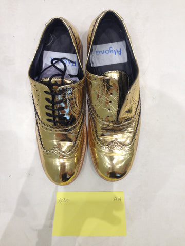 Size 6 gold/mirror (sample sale) A14