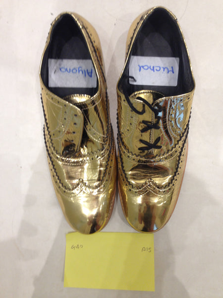 Size 6 gold/mirror (sample sale) A15