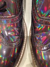 Ladies 10.5 Gents 9 US | 8 UK | 43 EU Holographic/Iridescent (sample sale) A3