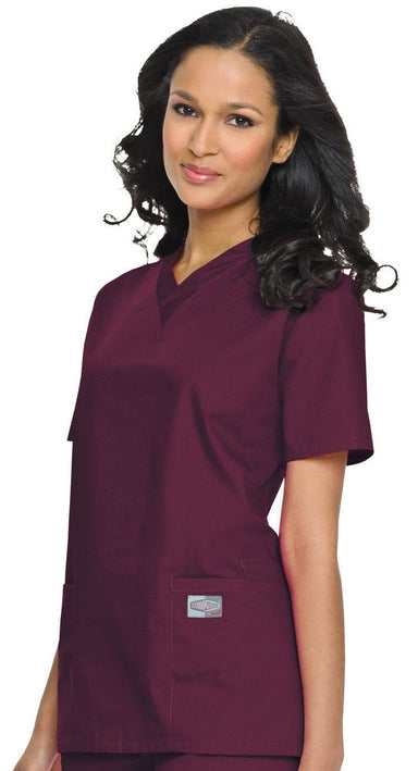 Women's Double Pocket V-Neck Top - Wine