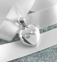 Product title: Petite Infinity Heart 13 mm, product type: Locket