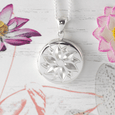 Product title: Dainty Round Flower Locket 18 mm, product type: Locket