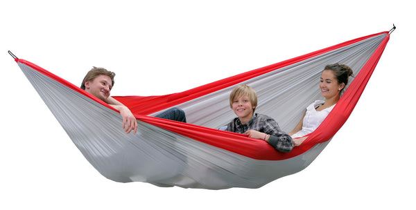 Family lying in Silk Traveller XXL Hammock